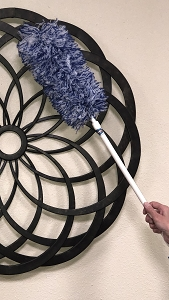 Microfiber Static Duster w/ Adjustable Handle 28